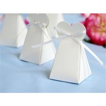 100pk White Triangle Heart Favor Box -