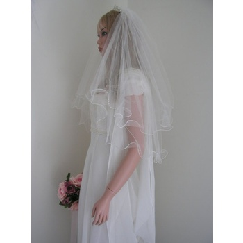 70cm White Curly 8 Pearl 2 Tier Veil - V0365W21W